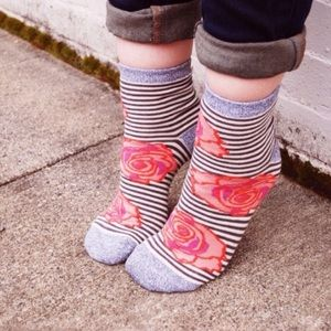 Peony and Moss Accessories - NWT Bloomies Crew Socks