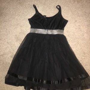 Dresses - Black tulle (tutu) dress with silver band