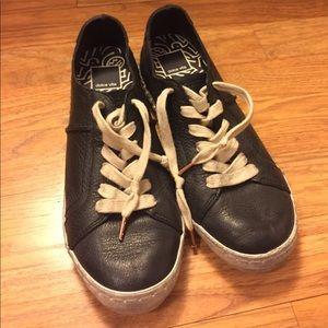 Dolce Vita Shoes - Dolce Vita Black Distressed Sneaker - Size 7