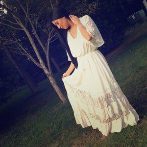 Dresses & Skirts - Off White Boho Maxi Dress