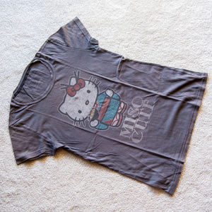 Sanrio Tops - Adorable Hello Kitty soft t-shirt