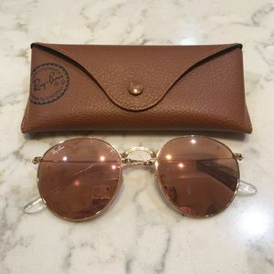 Rose gold mirrored ray bans