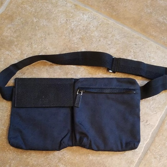 aae30c6e9bd Gucci Handbags - ❤️SALE 💯Authentic Gucci Waist Bag 💼 Fanny Pack