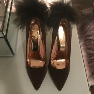 Dark khaki green fur Pom pumps