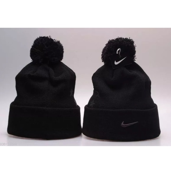 0d62a5024 Nike Field General Pom Beanie Supreme Challenge NWT