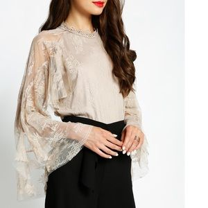 Tops - 🎉HP🎉 Beautiful Long Sleeve Hi Neck Floral Blouse