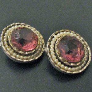 Faceted plum clip 1960s earrings pearl perimeter