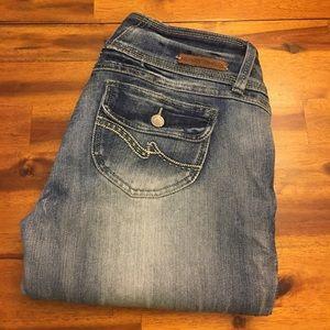 🔸Almost Famous Crop/Capri Jeans