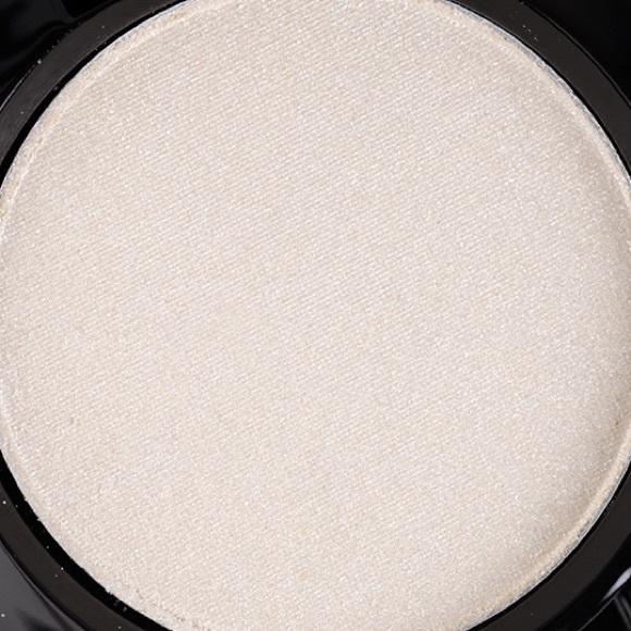 MAC Cosmetics Makeup - MAC How To Marry Eyeshadow