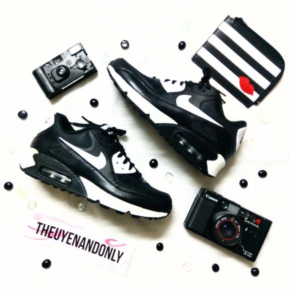 be5fd8358b4 👑NIB👑 Nike Air Max 90 Essential NEW