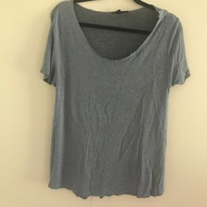 URBAN OUTFITTERS tshirt