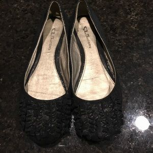Great condition! Gently used Chinese Laundry Flats