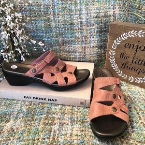 Shoes - NWOB Clarks Bendables Ballet Pink Sandal 9.5