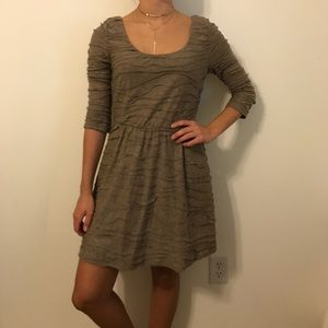 Dresses & Skirts - tan dress with fun texture and 3/4 sleeves