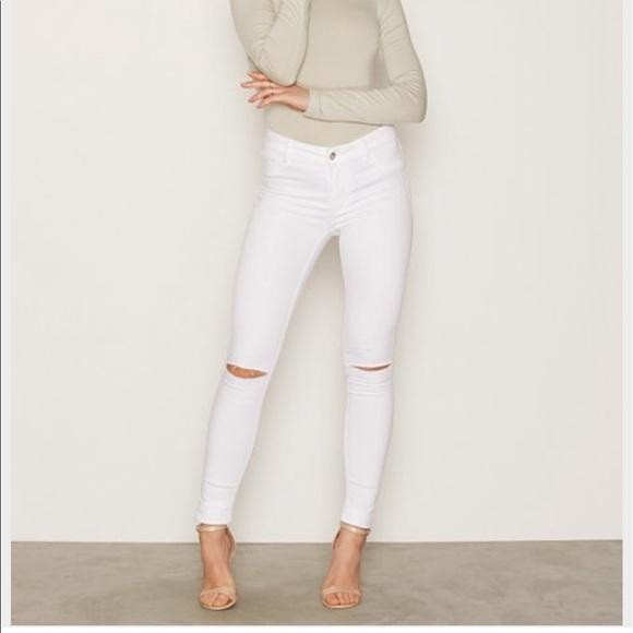 61e686e3 Zara Jeans   White Skinny Size 2   Poshmark