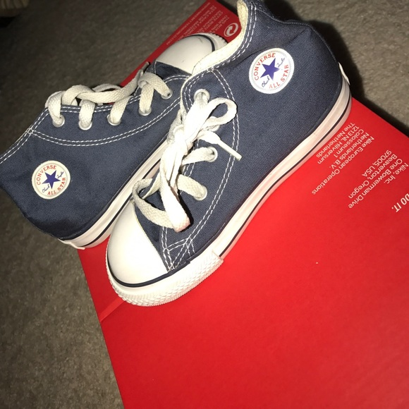 9ca4502ba1a7b3 Boys Converse All Stars Toddler Size  9 Blue