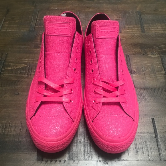 7249a1ce613beb NWOB CONVERSE ALL-STAR LOW 💖MENS SIZE 11 HOT PINK