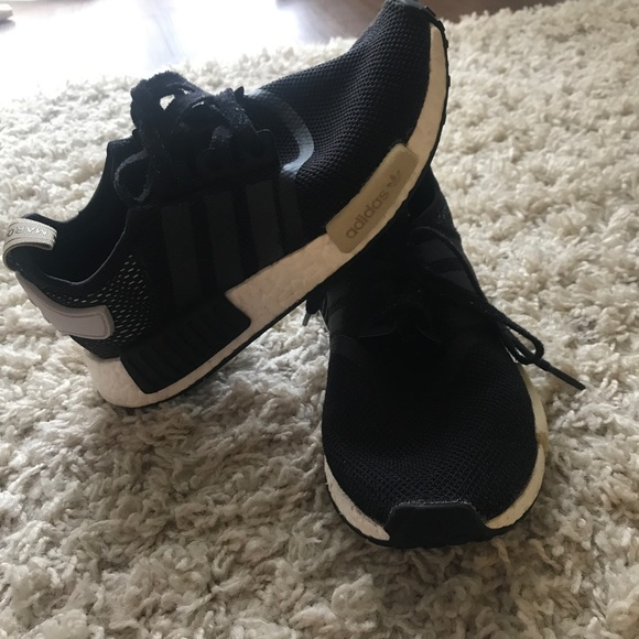le adidas nero nmds wm poshmark
