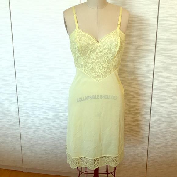 36e1945f785 Vanity Fair Intimates   Sleepwear
