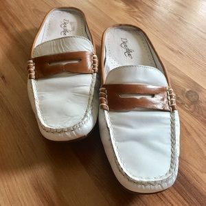 DexFlex Leather Saddle Brown & White Slip On Shoes