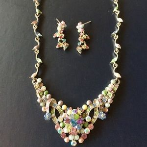 Jewelry - Beautiful pastel rhinestone jeweled necklace set