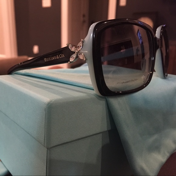 81a46899123 M 5982725bbf6df5bd0f010d50. Other Accessories you may like. Tiffany and co  sunglasses