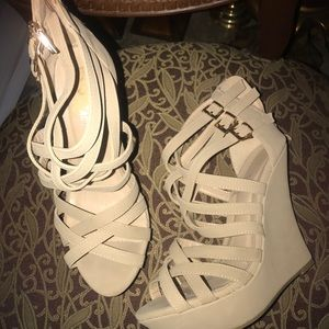 Shoes - Women wedges