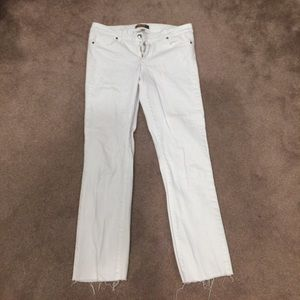 Paige white jeans distressed buttom, ankle length