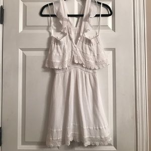 inTu Dresses - White lace dress