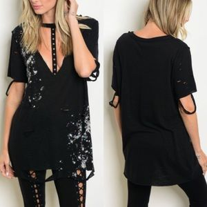 Tops - Black Distressed Oversized Plunging V Choker Tee