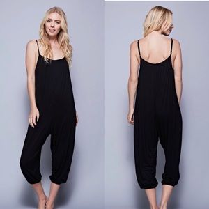 Pants - NWT Black Jumper sz Medium