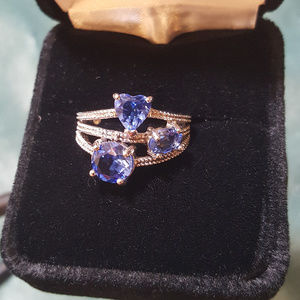 Jewelry - NWOT - Blue Topaz rng, + a Diamond Accent
