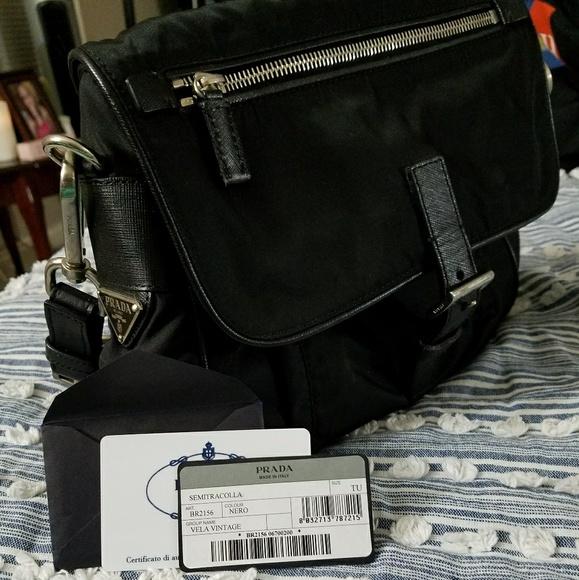 5ec39ba8284 Rare Vintage Prada Shoulder Bag BR2156. M 5982afe8ea3f36eaf700199e