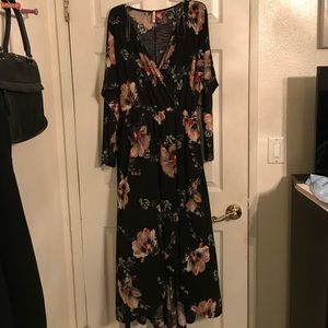 Dresses & Skirts - Floral pattern dress