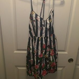 Floral dress never worn, no tags