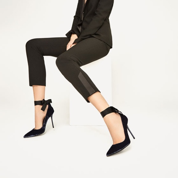 ed2f969a4d7 Zara navy blue velvet high heel shoes