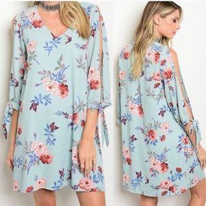 Dresses & Skirts - 💐 Airy floral light blue dress 💐