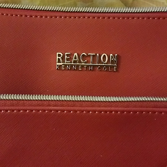 Kenneth Cole Reaction Bags - CCO *Kenneth Cole Reaction Bag*