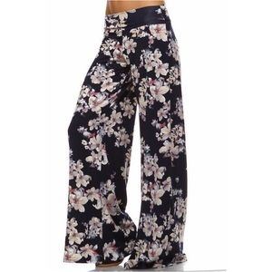 In Stock! 🦋 Navy Floral Wide Leg Lounge Pants