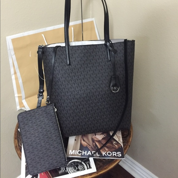 2503ea9572d8 Michael Kors Bags | Brand New Large Totesatchel | Poshmark