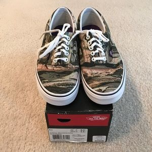 de71585911 Vans Shoes - Vans • Mountain Army Print
