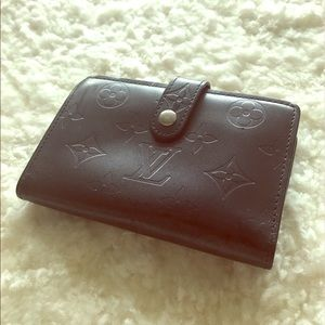 Louis Vuitton Amarante Vernis French Wallet