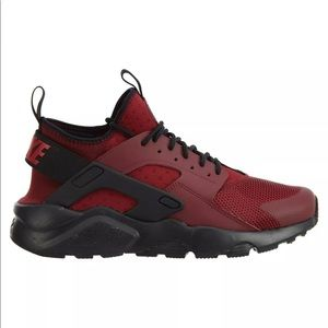 more photos ce83b b4717 Nike Shoes - Nike Air Huaraches Run Ultra red gym red black
