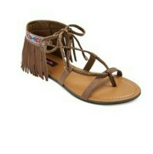 Shoes - CUTE POCAHONTAS SANDALS PRE OWNED