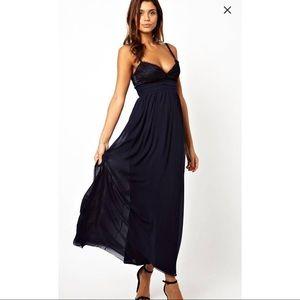 Elise ryan maxi dress with lace scallop backsplash