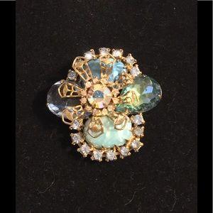 Jewelry - VINTAGE BROOCH...PALE BLUES