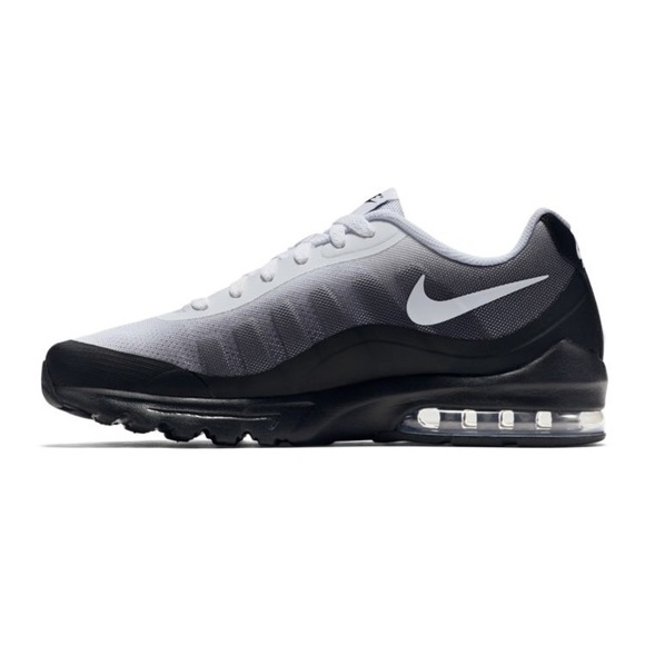 watch a3b1f e820f Nike Men s Air Max Invigor Print Shoes