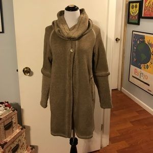 M jacket with removable cowl