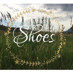 Shoes 👡👠👢👟