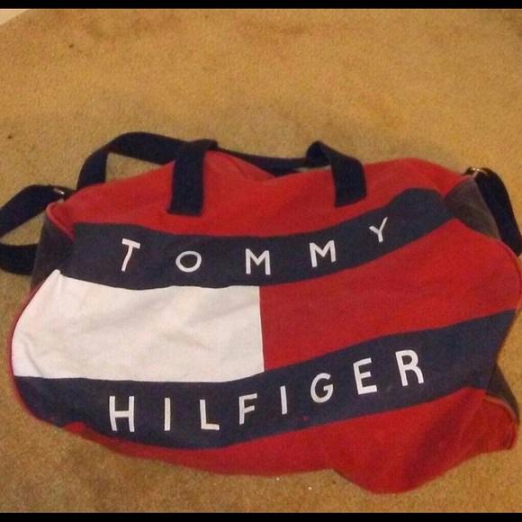 8deec0aeafbb Vintage Tommy Hilfiger duffel bag. M 5983ce2a522b45b821003ee5